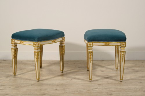 18th century - 18th Century Pair of Italian Neoclassical Lacquered Wood Stools