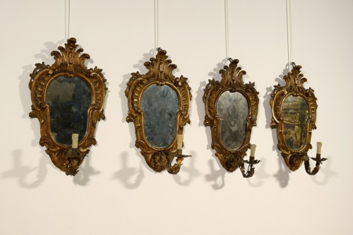 19th Century, Four Italian Carved Giltwood Sconces - Lighting Style
