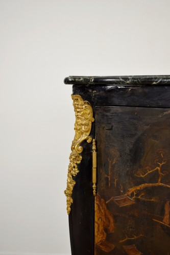 Lacquered wooden corner, Louis XIV style, France, 19th century -
