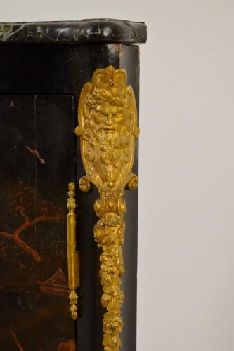 Antiquités - Lacquered wooden corner, Louis XIV style, France, 19th century