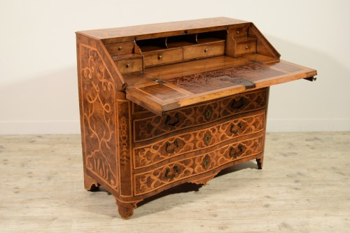18th century - 18th century, Italian Inlaid Wood Chest of Drawers with Secretaire