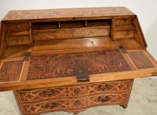 18th century, Italian Inlaid Wood Chest of Drawers with Secretaire  - French Regence