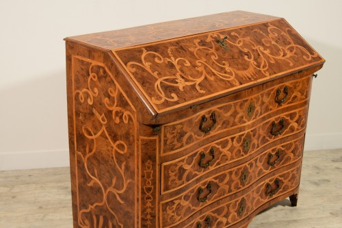French Regence - 18th century, Italian Inlaid Wood Chest of Drawers with Secretaire