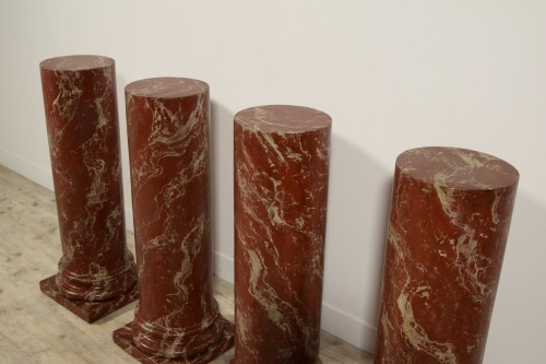 Antiquités - 19th Century, Four Wood Columns Lacquered in Faux Rosso di Verona Marble