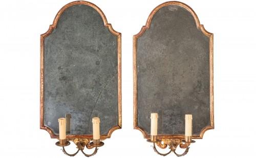 18th century Pair of Italian Neoclassical Giltwood Mirrors