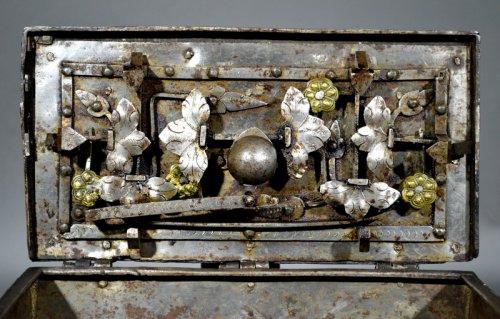 "Objects of Vertu  - Small nürnberg casket with scene of ""noli mi tangere"".  renaissance era."