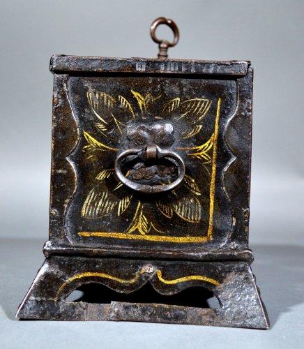 "Small nürnberg casket with scene of ""noli mi tangere"".  renaissance era. -"