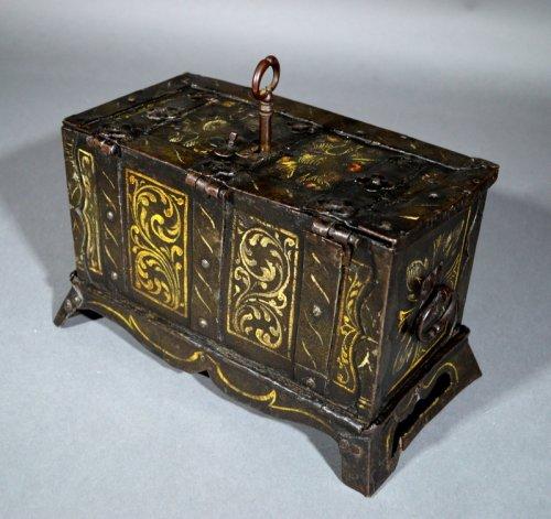 "16th century - Small nürnberg casket with scene of ""noli mi tangere"".  renaissance era."