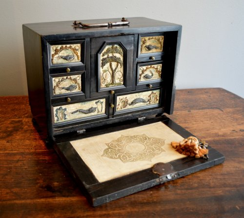 Small Antwerp cabinet with sea monsters Circa 1650/1680.