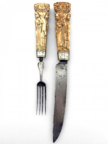 Pair of cutlery handles. Dutch Ca 1670.