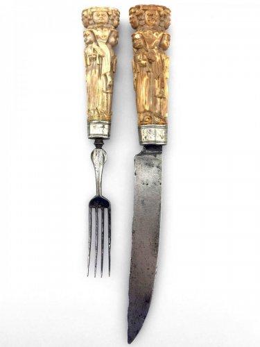 Pair of cutlery handles. Dutch Ca 1670.