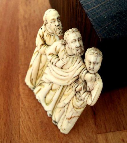 Bone plaque depicting 3 apostles. Circa 1380. -