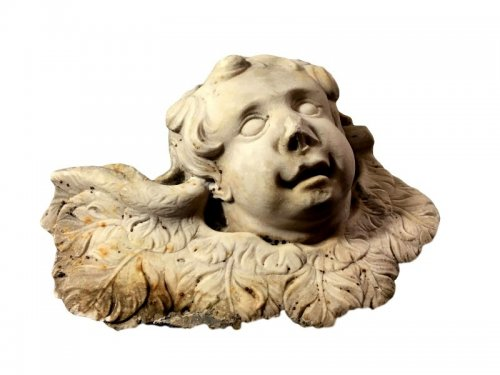 17th century Carved marble Putto head