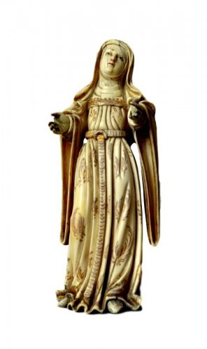 Ivory carved Virgin.Philippines 17th century.