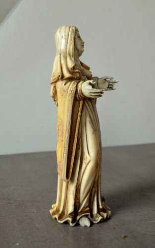 17th century - Ivory carved Virgin.Philippines 17th century.