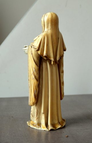 Ivory carved Virgin.Philippines 17th century. -