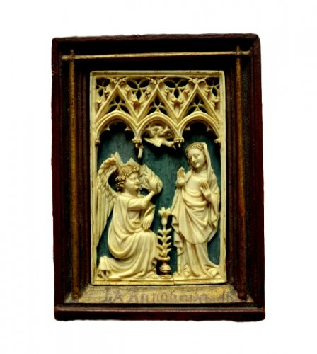 Ivory relief depicting 'The Annonciation' 14th century
