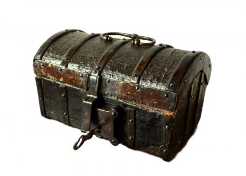 Gothic leather casket.France 15th century.