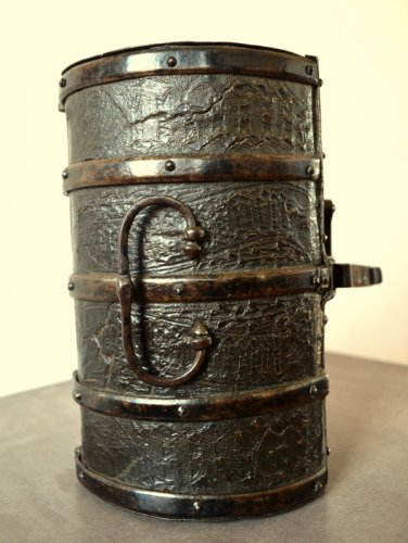 Curiosities  - Gothic leather casket.France 15th century.