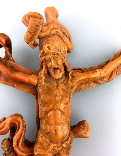 Religious Antiques  - Christ in carved coral.Italy 17th century.