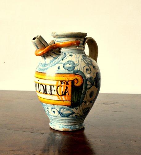 Porcelain & Faience  - Italian majolica apothecary jar  c.1600-1620