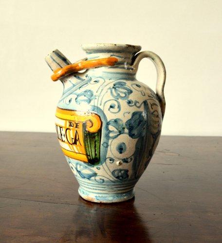 Italian majolica apothecary jar  c.1600-1620 -