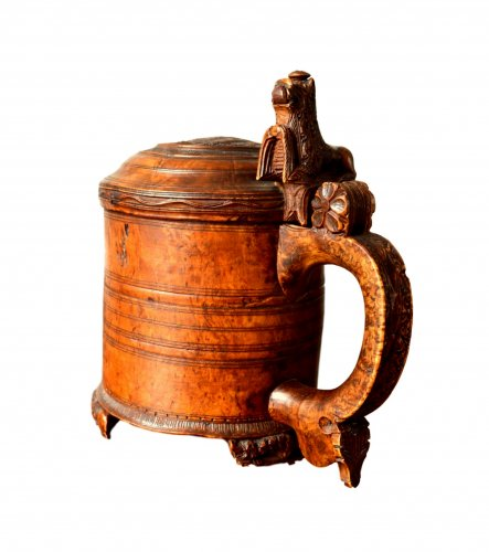 A large norwegian birch tankard.Dated 1799