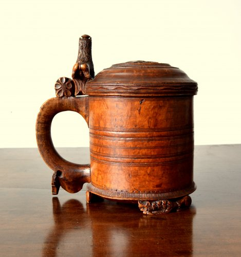 A large norwegian birch tankard.Dated 1799 - Collectibles Style
