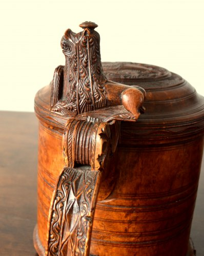 18th century - A large norwegian birch tankard.Dated 1799