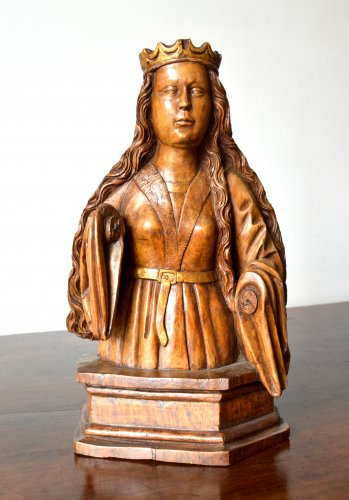 A wood carved female bust. circa 1500 - Sculpture Style
