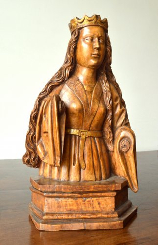 Sculpture  - A wood carved female bust. circa 1500