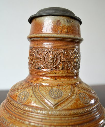 Antiquités - A pewter mounted stoneware jug.Raeren 1603