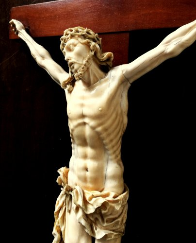 Religious Antiques  - Ivory carved Christ.17th century