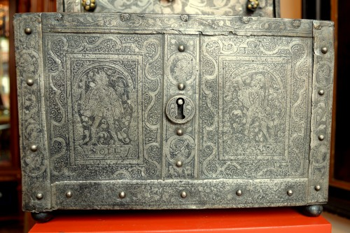 Huge casket in etched steel, Nürnberg 2nd half 16th century. -