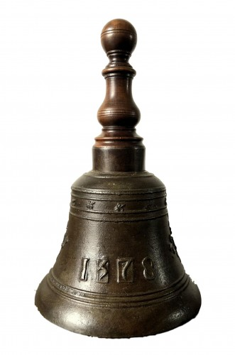 Bronze hand bell,dated 1578