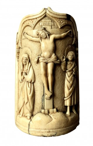 A fine ivory pax, Early 16th century