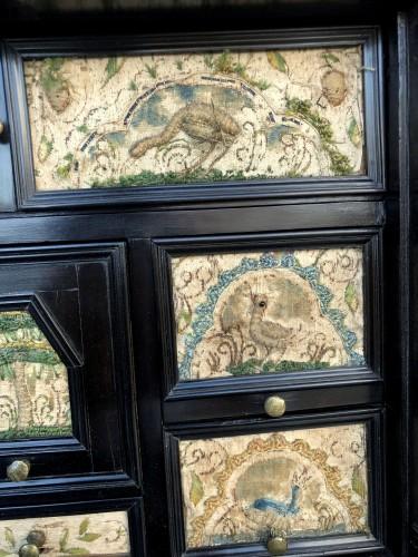 Antiquités - A ebony veneered and stump work table cabinet.17th century