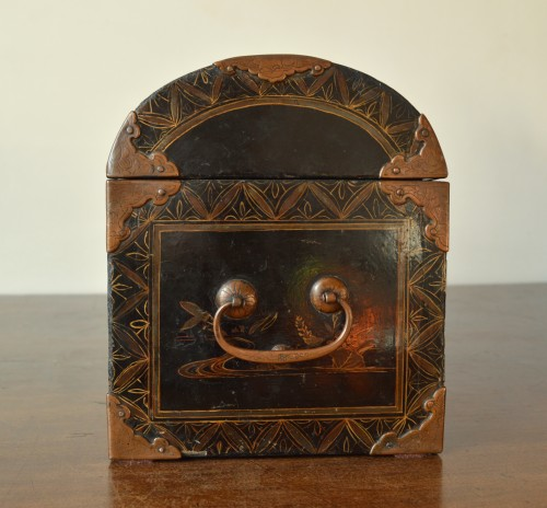 17th century - A Namban black lacquer on wood casket.17th century.