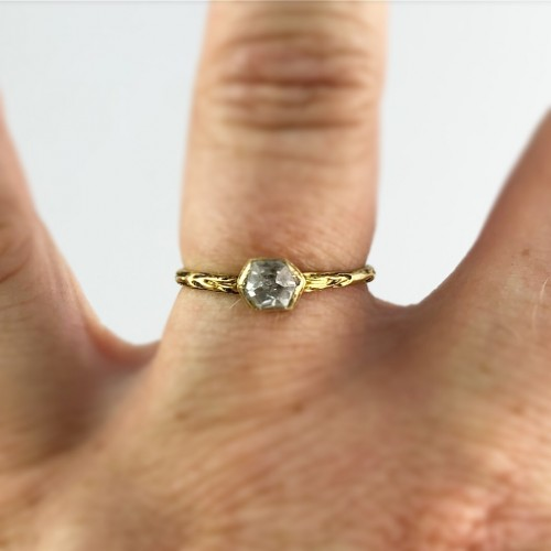 A gold, enamel and rock crystal ring.Ca.1600  - Renaissance