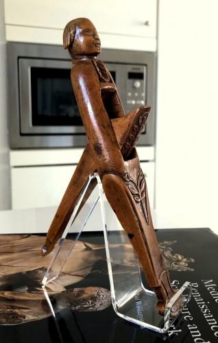 Antiquités - A boxwood nutcracker,18th century