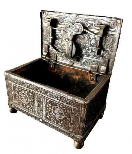 Casket in etched iron, Nürnberg 2nd half 16th century.