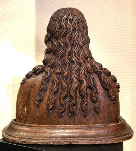 Sculpture  - Oak reliquary bust of St-Barbara.France circa 1480