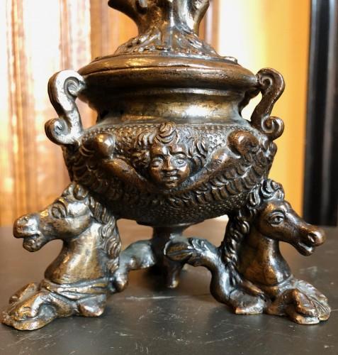 16th century - Renaissance bronze inkwell.Late 16th century