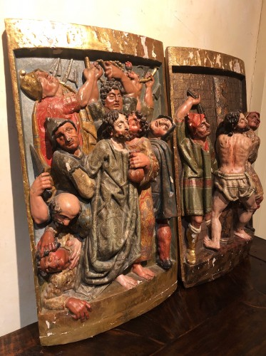 16th century - Two polychrome carved Spanish reliefs16th century
