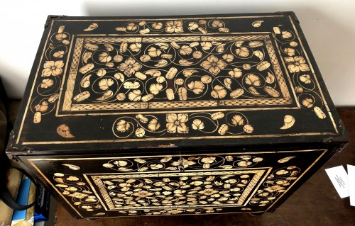 17th century - Indo-Portugese table cabinet.Late 17th century.