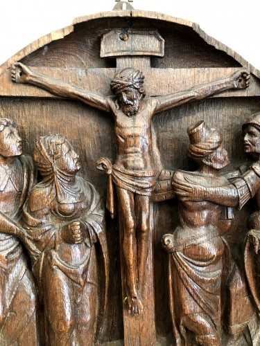 An oak Tondo of the crucifixion.Flemish 16th century - Sculpture Style