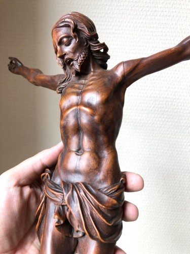 Sculpture  - A fruitwood carved Corpus Christi.17th century.