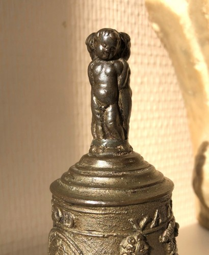 A bronze table bell, Mechelen Mid-16th century - Religious Antiques Style Renaissance
