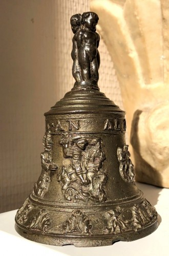 A bronze table bell, Mechelen Mid-16th century - Renaissance