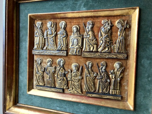 A collection of small painted bone figures.Flemish.Circa 1450 - Middle age